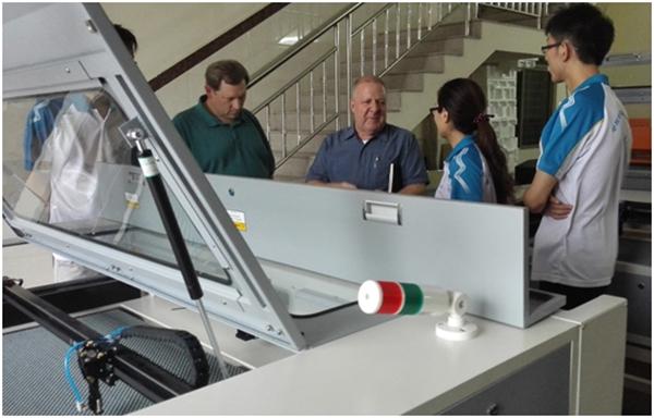 FDA专家参观生产车间