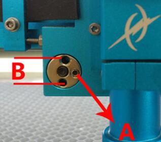 更换导向轮和调节X轴滑块