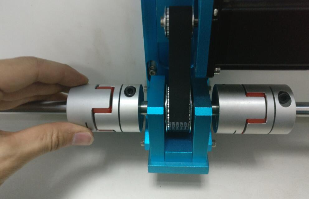 如何更换传动轴模块?
