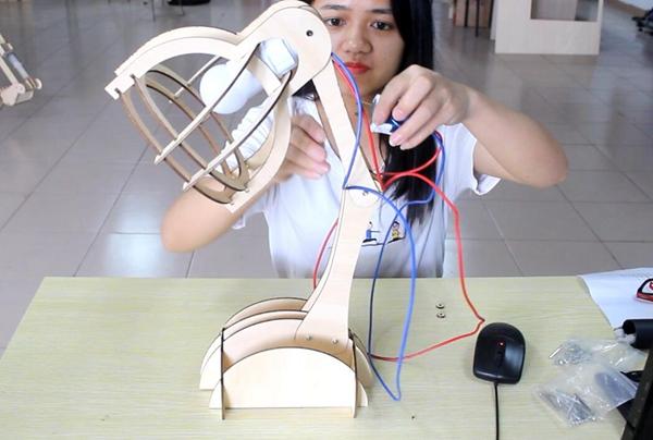 激光切割台灯